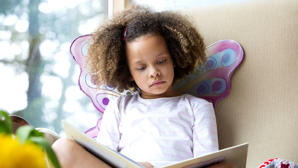 Quiet reading time for child - Sanford fit