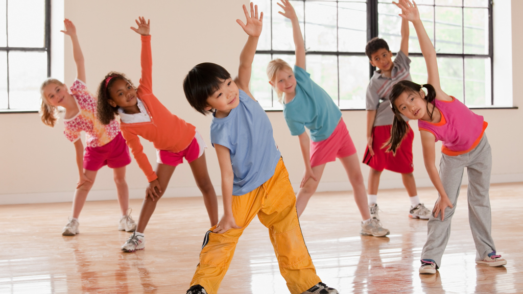 Children stretching game - Sanford fit